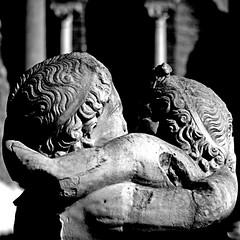 Amore e Psiche, Ostia (pom.angers) Tags: canoneos400ddigital february 2017 rome roma ostiaantica ostia ancientrome sculpture statue lazio italia italy europeanunion 100