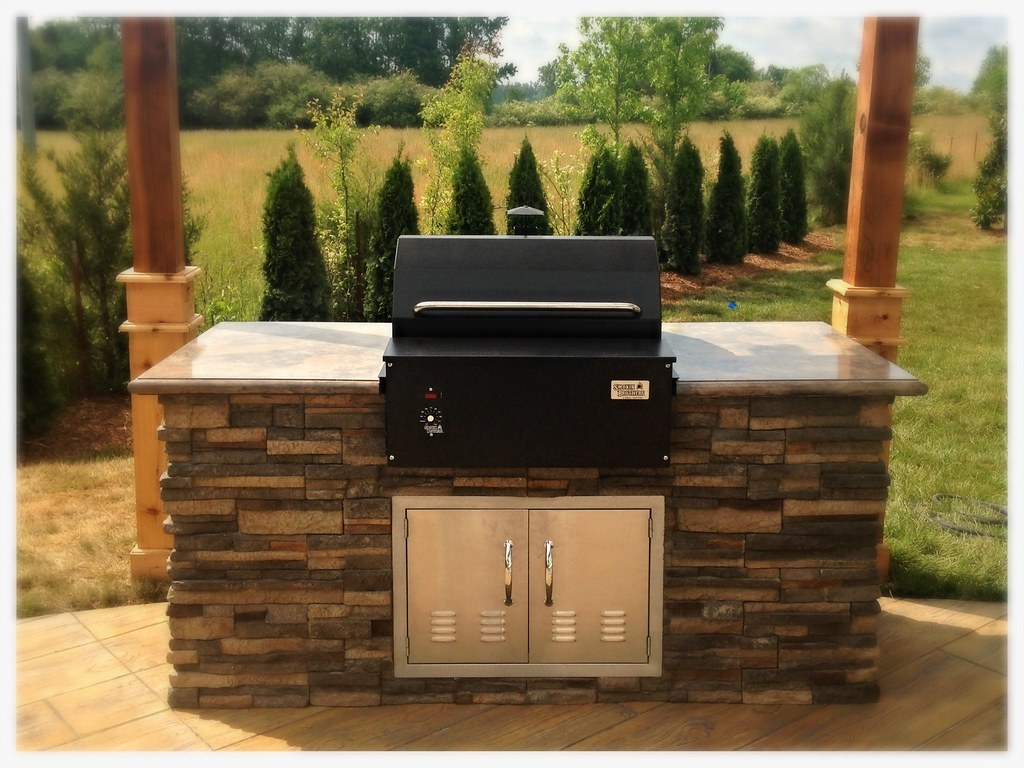 Smokin' Brothers Built in Pellet Grill / Smoker. Apison, Tn.