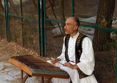 ctara grega (redverve) Tags: street 35mm de nikon performance athens player rua performer artista sitar grega d3200 citara