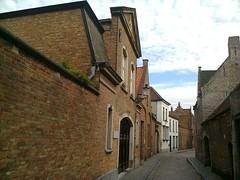 Cobbled street, Bruges (GothPhil) Tags: street architecture buildings belgium brugge july cobblestones bruges cobbles 2015 oostmeers