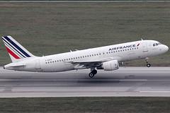 Air France Airbus 320-214 F-HEPD (c/n 4295) (FNF_VIENNA - Vienna-Aviation.net) Tags: vienna wien france airport air airbus flughafen vie a320 320 freg schwechat loww fhepd