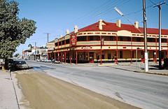 Peterborough Hotel Motel, 195 Main St Peterborough, SA (Stefan Ulrich Fischer) Tags: travel architecture bar 35mm hotel pub outdoor oz motel australia slide historic scanned outback analogue southaustralia peterborough downunder kodakektachrome minoltaxd7 coolplace flinderranges f1fischer