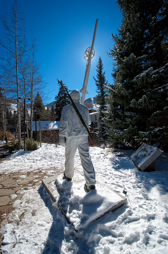 10th Mountain Statue