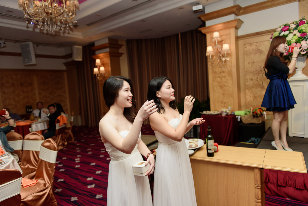 Wedding day-0075 ,僑園婚攝,台中僑園,僑園婚宴,新秘Alice ,婚攝小勇,台北婚攝, 小淑造型團隊