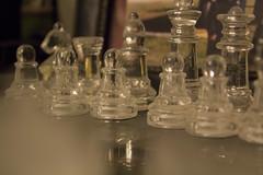 playing fair (Rimakusukusu) Tags: playing fair jugar ajedrez chess figuras transparentes figures
