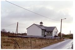 Byrkneskvintetten nr 2 (.kristian) Tags: byrknesøy byrknes gulen ytre sogn nikon fm3a nikkor d norway og fjordane natur gress fuji superia 200 analog film 50mm f14