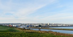 City of Aberdeen, from Torry Battery, Aberdeen, Jan 2017 (allanmaciver) Tags: aberdeen harbour north sea entrance busy port trade balnagask golf course allanmaciver