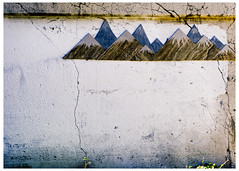Mountains of Fulton Market (swanksalot) Tags: westloop streetart graffiti wall decay mountains fultonmarket chicago tweeted