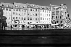 Kultorvet (Håkan Dahlström) Tags: people house architecture copenhagen square denmark photography dk uncropped danmark dinamarca københavn danemark copenhague danimarca 2015 köpenhamn kultorvet f32 xe2 xf1855mmf284rlmois kongensnytorvstmetro ¹⁄₃₅₀₀sek 4019082015094355