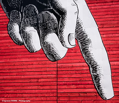 Hand (Ignacio Ferre) Tags: uk greatbritain inglaterra england london hand finger londres mano dedo granbretaa