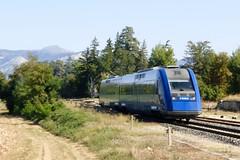 Un XTER traverse l'ancienne gare de Mison (BB 67482) Tags: gare sncf ter mison 72500 xter x72500 x72553 x72554