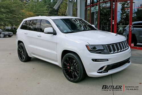 Jeep Grand Cherokee With 22in Savini BM13 Wheels And Pirelli Scorpion Tires
