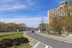 Riverside Drive - New York City (USA) (Meteorry) Tags: street nyc newyorkcity sky usa newyork america unitedstates manhattan unitedstatesofamerica uptown ciel parkway april upperwestside hudsonriver empirestate 12thavenue rue bigapple riversidedrive morningsideheights 2015 meteorry riversideviaduct twelvethavenue