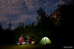 Moto camping (DOCESMAN) Tags: camping mountain bike night honda moto motorcycle motor montaña deauville motorrad motorcykel moottoripyörä motocykel motorkerékpár nt700v ntv700 docesman mototsikl danidoces