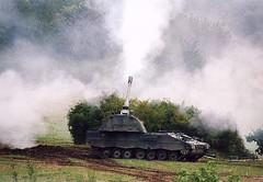 "Panzerhaubitze 2000  11 • <a style=""font-size:0.8em;"" href=""http://www.flickr.com/photos/81723459@N04/23588089950/"" target=""_blank"">View on Flickr</a>"
