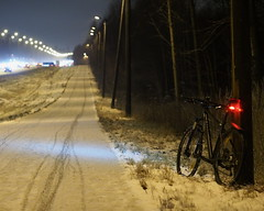 2015 Bike 180: Day 267, December 17 (olmofin) Tags: light snow bicycle night finland helsinki mtb f18 sodium 45mm vapor 29er mzuiko 2015bike180