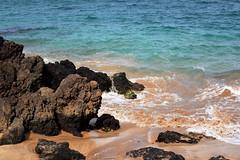 DSC33_3723 (heartinhawaii) Tags: ocean sea seascape beach nature hawaii coast mar seaside sand pacific shoreline wave maui shore splash goldenbeach makena oceansplash hawaiibeach mauibeach 808 lavarocks sandandsea maluakabeach southmaui maluaka nikond3300 mauiinnovember