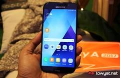 LYN-Samsung-Galaxy-A7-2017-01