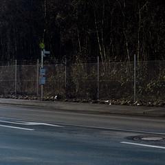 Haltestelle II (jpk.) Tags: 2017 canoneos7d dortmund januar unterwegs â©janphilipkopka industriegebiet ©janphilipkopka emscher huckarde haltestelle dsw21 nacht maschendrahtzaun zaun asphalt deusen