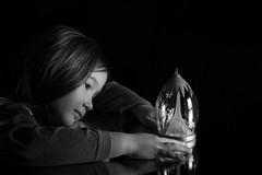 Reflet (romain_mourer) Tags: black blackwhite blanc blond boiteàmusique cheveux children dream enfant eyes fille girl hair jouets look musiquebox noir noirblanc pensée portrait reflection reflet regard rêve studio tenderness tendresse thought toys white yeux