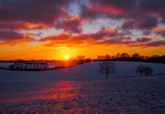 you put a spell on me (claudia.kiel) Tags: deutschland germany schleswigholstein bungsberg berg hügel hill winter schnee snow sonne sun sonnenuntergang sunset sunsetmood dramatisch dramaticmood abendstimmung wolken wolkenlandschaft clouds cloudscape landschaft landscape nature