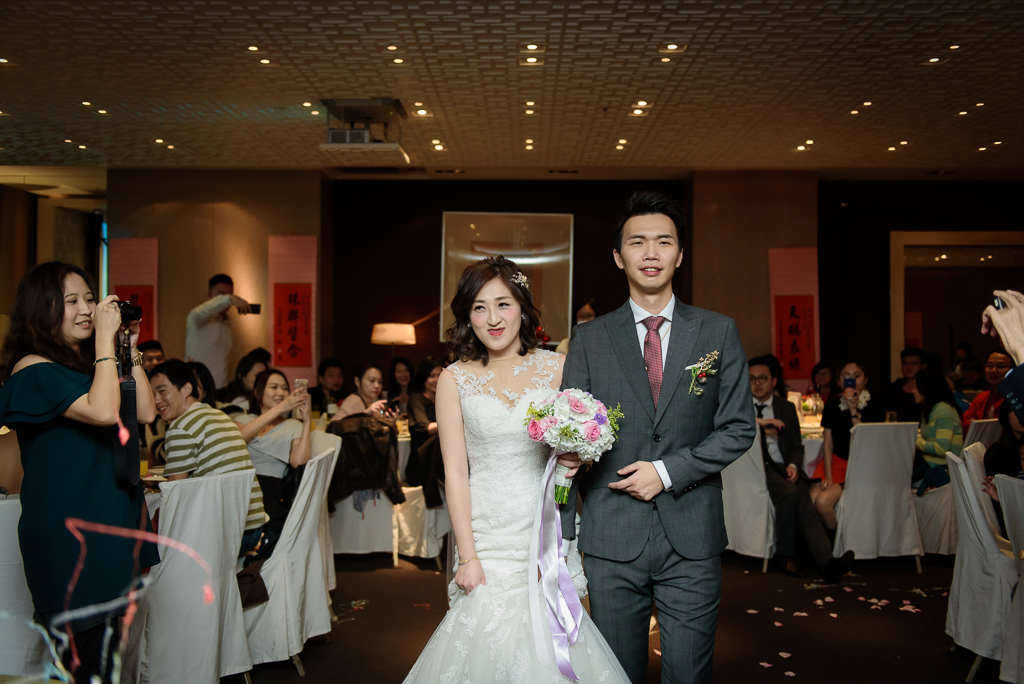 wedding day,婚攝小勇,台北婚攝,晶華,台北國賓,台北國賓婚宴 ,愛瑞思,Miko,新秘,-075