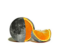 uno spicchio di luna (brescia, italy) (bloodybee) Tags: 365project moon crescent orange citrus fruit food slice cut pieces grey gray stilllife humor fun pun wordplay italian language white shadow