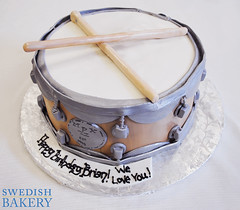 Snare Drum with Sticks (Swedish Bakery Chicago) Tags: cakes cake drum drumsticks fondant snaredrum swedishbakery