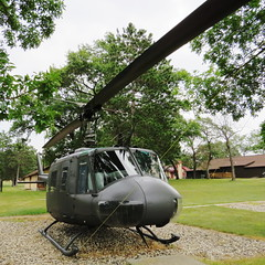 UH-1B Huey, Wisconsin National Guard Museum, Camp Douglas, WI (lotos_leo) Tags: travel museum wisconsin war bell outdoor aircraft military huey wi iroquois uh1 campdouglas  aeronave volkfield  aronef uh1b       wisconsinnationalguardmuseum