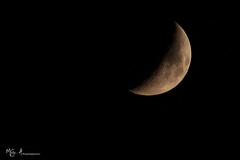 Luna_19.09.15 (MG . A photography) Tags: light moon white black canon landscape soft luna 300mm moonlight bianco nero luce paesaggio cratere 70300 timida metà crateri macrodreams superluna