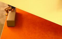 Attente au cinéma - Waiting for a movie, Paris (blafond) Tags: cinema paris triangles triangle legs leshalles ugc movietheater jambes moquette attente mystère attendre mysterieux walltowallcarpet