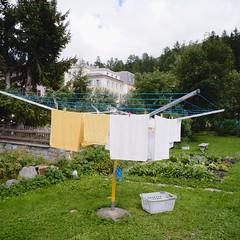 Swiss clothes-line (Riex) Tags: schweiz suisse swiss cosina voigtlander wideangle laundry adapter fujifilm clothesline svizzera linge 15mm dryer drying swh heliar superwideheliar xm1 sechoir mmount dryline stewi xtrans superheliar supergrandangle