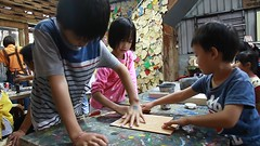 MVI_8678 (小賴賴的相簿) Tags: family kids canon happy 50mm stm 台中 小孩 親子 陽光 chrild 福容飯店 5d2 老樹根 麗寶樂園 anlong77