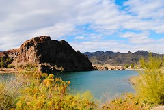 Colorado River from Lake Havasu State Park (Cragin Spring) Tags: mountains unitedstates usa unitedstatesofamerica arizona parker parkeraz parkerarizona home house hill street water coloradoriver river lakehavasustatepark