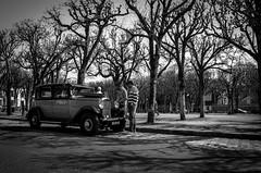 Le coup de la panne #1 (Olivier DESMET) Tags: citroen voiture c6 old noirblanc nb blackandwhite bw monochrome car pentax k5 samyang 14mm