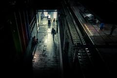 Chercher la lumière... / Looking for light... (Gilderic Photography) Tags: liege belgium belgique belgie night station light silhouette people woman walking street darkness city urban canon g7x gilderic