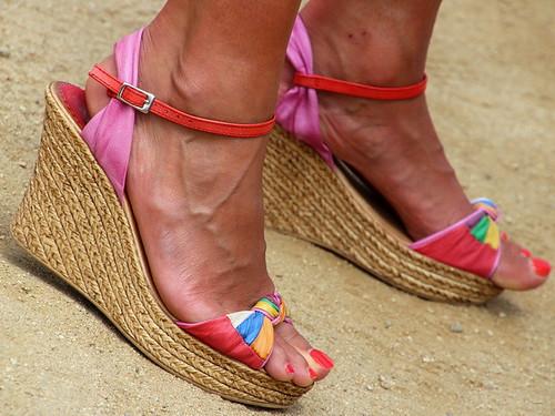 Candid mature milf feet in sandals