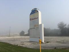 Lakeshore Mall Sign- Manitowoc, Wisconsin (MichaelSteeber) Tags: wisconsin manitowoc lakeshoremall edgewaterplaza