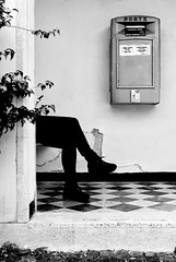 Inviarsi_parole (Danilo Mazzanti) Tags: blackandwhite liguria genova biancoenero posta danilo attesa composizione arenzano mazzanti seduto spedizione cassettadellaposta bambinodipraga danilomazzanti wwwdanilomazzantiit