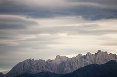 Macizo Central. Texturas (elosoenpersona) Tags: cloud mountains contrast de cares europa central asturias textures nubes contraste texturas cordillera picos montañas cantabrica macizo torrecerredo elosoenpersona viyao