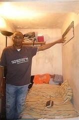 Michel Thierry Atangana dans sa cellule de 7m2