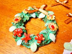 Coronas navideñas con Porcelana fria (Aracelyasmine) Tags: cold navidad diy corona porcelain tutorial fria porcelana cintas imanes refrigerador navideñas