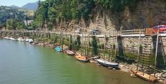Low Tide (APK-2012) Tags: boats spain sunny lowtide upstream deba experia riodeba sonyexperiaz3