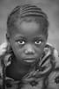 Burkina faso: enfant de l'ethnie Sénoufo. (claude gourlay) Tags: burkinafaso burkina afrique africa claudegourlay afrika afriquedelouest portrait retrato ritratti people enfant child noiretblanc blackandwhite nb bw sénoufo ethnie ethnic tribu