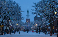 Snowfall town (LEXPIX_) Tags: evening dusk snow snowfall falling postcard churchstreet marketplace burlington vermont vt btv bvt nikon d d500 2470 lexpix