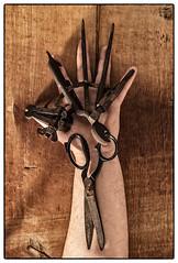 düsteres Handwerk (fadami...) Tags: hasselblad 503cw 503 cw hassi leaf aptus 75 stillleben still life handwerk hand rost rusty handcraft