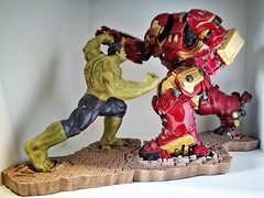 My lovely toys - Hulk and Hulk Buster (Alfred Life) Tags: 家 台灣 太子馥 qingpu taiwan 青埔 浩克 浩克毀滅者 反浩克裝甲 hulk hulkbuster 徠卡 華為 华为 summarit asph leica leicaduallenses summarith12227asph plus p9 huawei huaweip9plus summarith12227 徕卡 p9p