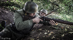 Avoncroft (98 of 259) (Andy Darby) Tags: portrait war helmet smoking german reenactment mg42 k98 fallschirmjager avoncroft mp40 fjr5