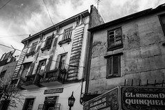 Casas en Blanco y Negro - Caminito, Buenos Aires, Setiembre 2015 (Alvimann) Tags: old city houses people blackandwhite house black blancoynegro blanco home argentina metal digital canon design casa buenosaires gente antique metallic ciudad laboca 1855mm boca viejo canonefs1855mm barrio neighbourhood antiguo chapa caminito hogar 550 vivienda buenosairesargentina ef1855mm metalico canonefs1855mmf3556 550d canon550d canoneos550d eos550d alvimann