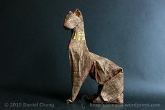 Goddess of Cats (mitanei) Tags: animals gold origami papyrus bastet goldkatze goldcat egyptiancat origamicat mitanei keepfoldingon origamikatze ägyptischekatze papyruscat goddessofcats götterkatze papyruskatze